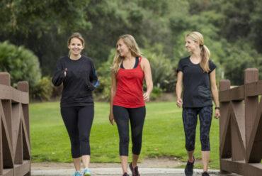 ¿Por qué es bueno andar 30 minutos cada día?